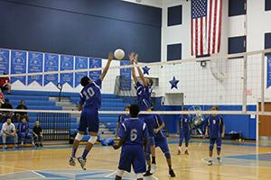 Boys' volleyball team goes 4-1 in 5 games