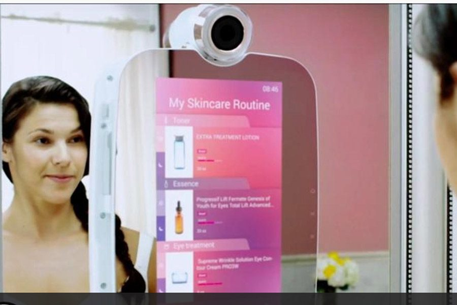 New smart mirror tracks skin health