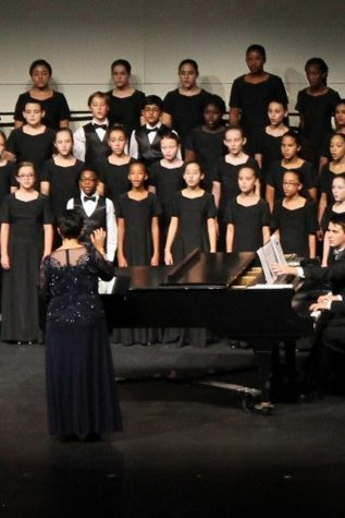 Vocal students perform at fall concert for alumni
