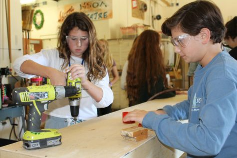 Set design lets students be behind the scenes